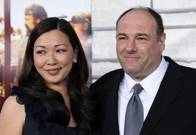 Jamesas Gandolfini su žmona Deborah Lin (2011 m.)