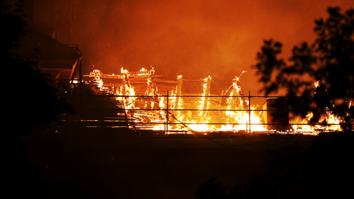 В пожаре в Рижском замке пострадали экспонаты Музея истории