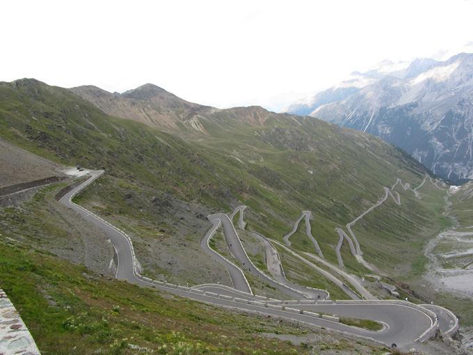 Wikipedia.org nuotr./Stelvio Pass kelias