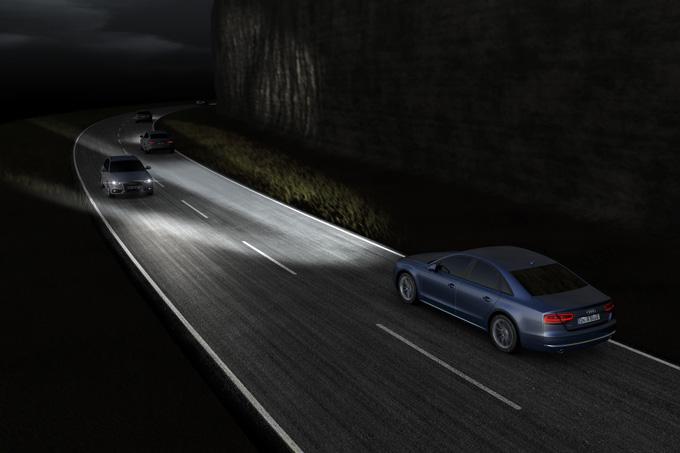 """""""Audi Matrix LED"""" žibintai"""