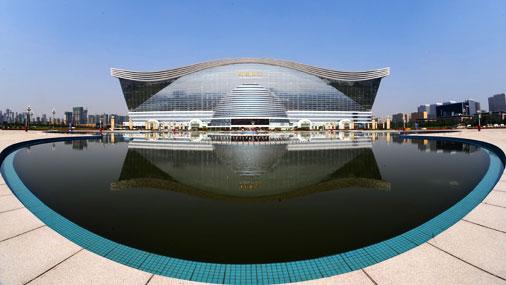 Открылось самое большое здание в мире с искусственным солнцем