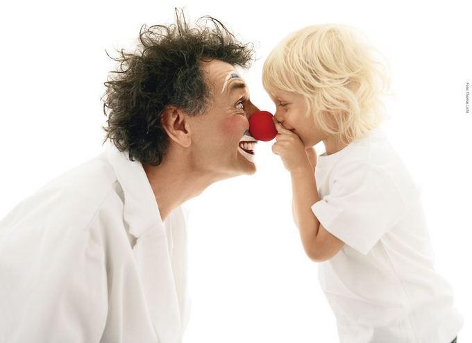 Asociacijos Raudonos nosys. Gydytojai klounai nuotr./Gydytojai klounai