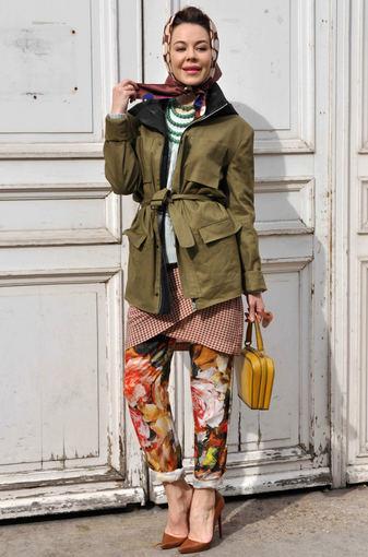 Ulyana Sergeenko atvyksta į Giambattista Valli kolekcijos pristatymą Paryžiaus mados savaitėje.
