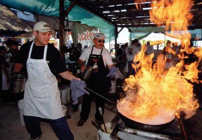 """gilroy-california.com nuotr. / Gilroy miestelyje (Kalifornija) kasmet vykstantis """"Gilroy česnakų festivalis"""""""