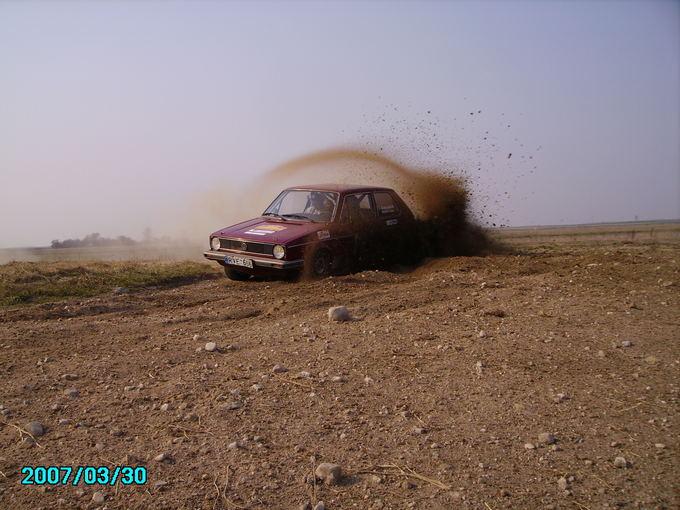 (asmeninio archyvo nuotr.)/Pirmasis lenktynių automobilis  pirmos kartos Volkswagen Golf