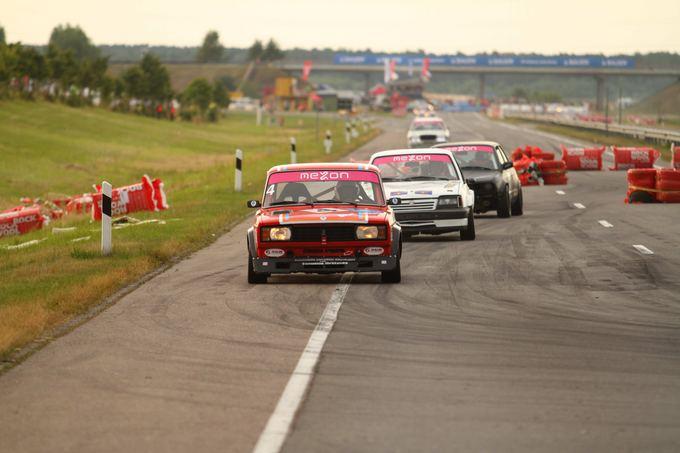 1000 km lenktynių organizatorių nuotr./Istorinių automobilių lenktynės