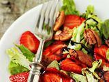 Shutterstock nuotr. / Braškių salotos