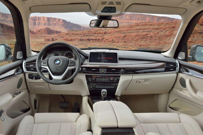 (BMW nuotr.)/BMW X5 interjeras