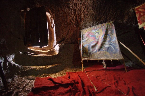 Evelinos ir Karolio nuotr./Bevaikštinėjant klaidžiais tunelių labirintais.