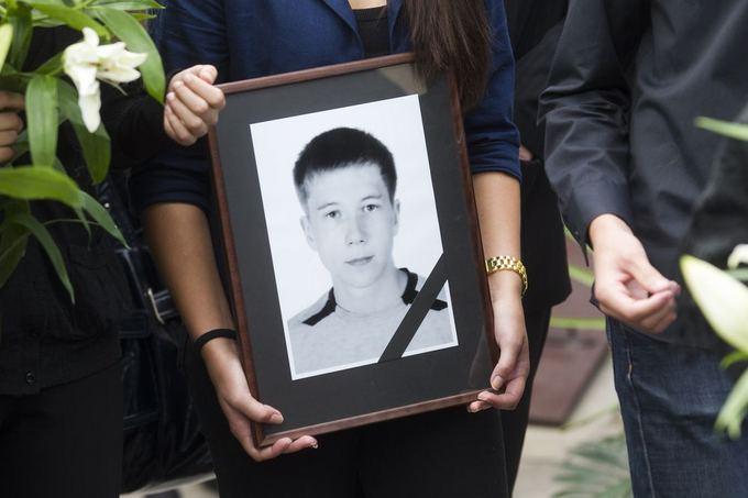Biržuose kulkos pakirstas septyniolikametis ialydimas į amžinojo poilsio vietą