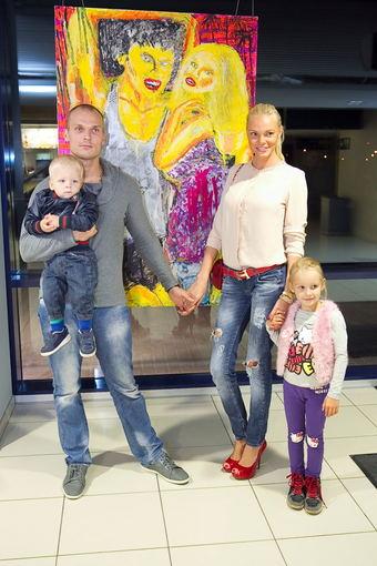 Viganto Ovadnevo/Žmonės.lt nuotr./Vita Jakutienė su šeima