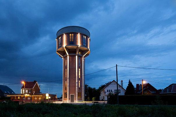 Vandens bokštas, virtęs originaliu gyvenamuoju namu Belgijoje
