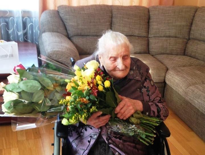 Lietuvos ilgaamžiškumo rekordininkė Emilija Krištopaitienė švenčia 111-ąjį gimtadienį.
