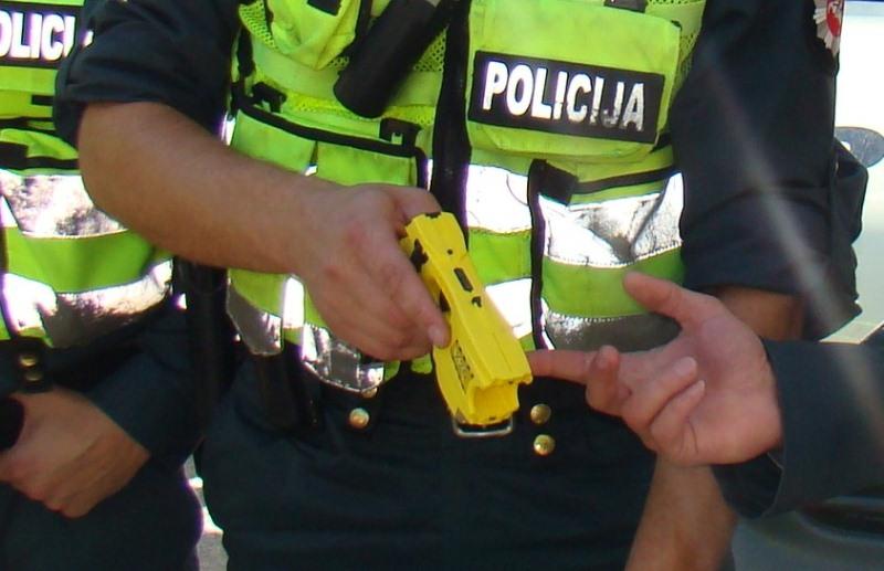 "Policijos elektrošoko prietaisas ""Taser"""