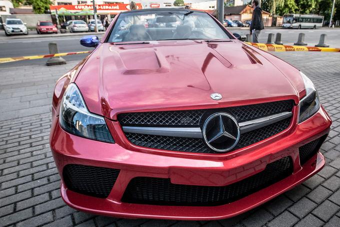 """Lietuvių pagaminta """"Mercedes-Benz SL65 AMG Black Series"""" kopija"""