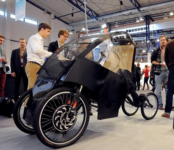 """VGTU nuotr. /""""Smart EV"""" elektromobilis"""