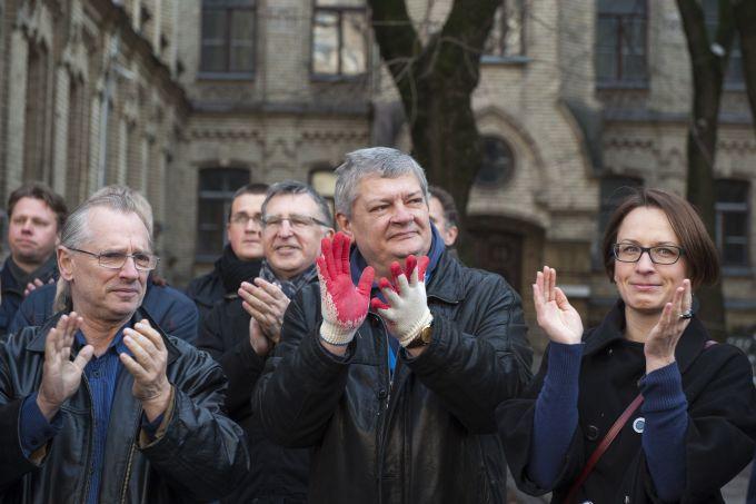 Žurnalistų protestas prie STT.