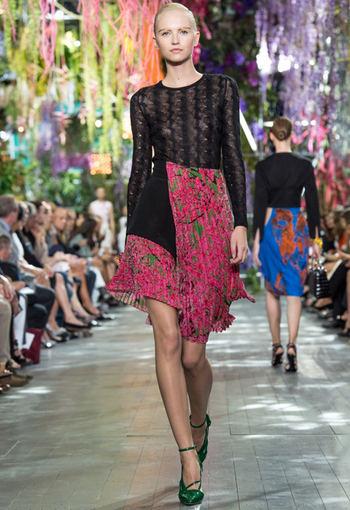 Scanpix nuotr. / Christian Dior 2014 m. pavasario/vasaros kolekcija Paryžiuje.