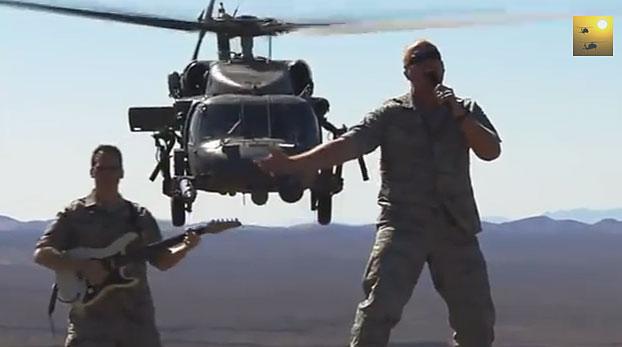"""Filmuojant """"Max Impact"""" vaizo klipus naudojama aplinka, kurioje muzikantai tarnauja"""