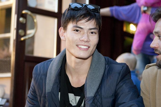 Modelis Tuen Simon Pham