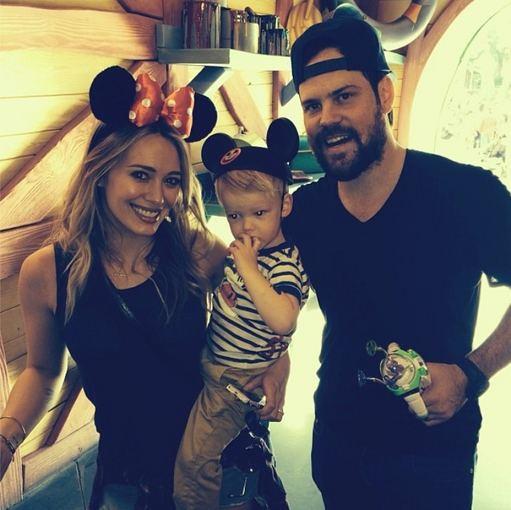 """""""Instagram"""" nuotr./Hilary Duff ir Mike'as Comrie su sūnumi Luca prieš dvi savaites darytoje nuotraukoje"""