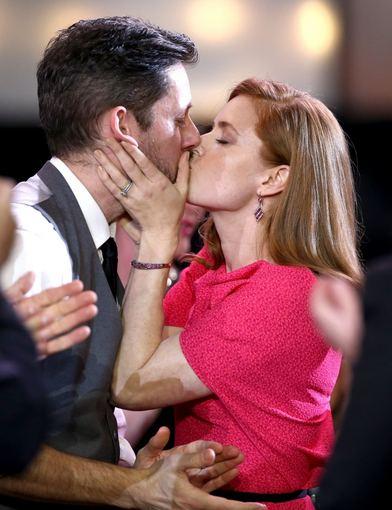 """AFP/""""Scanpix"""" nuotr./Darrenas Le Gallo ir Amy Adams"""