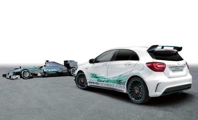 """Mercedes"" nuotr./""A45 AMG Petronas"""
