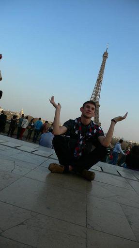 A.Zmitros nuotr./Prie Eifelio bokšto