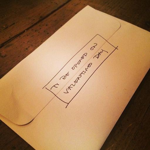 """Instagram"" nuotr./Jake'o Gyllenhaalo dovana Alyssai Miller"