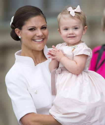 """Scanpix"" nuotr./Švedijos princesė Victoria su dukra Estelle"