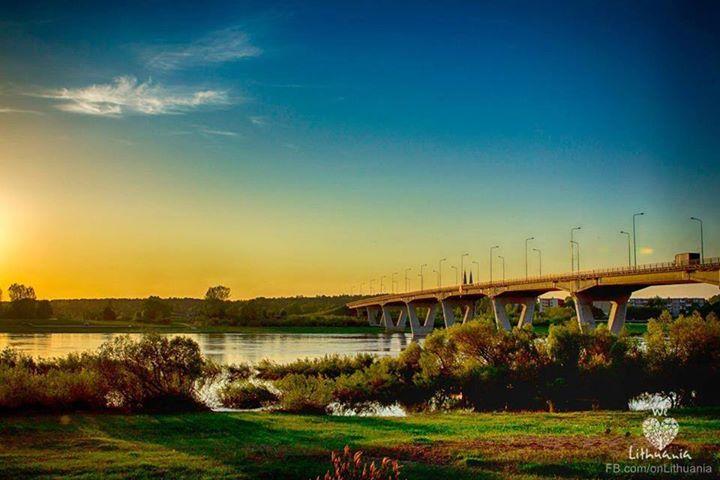 Ričardas Sinkus/ Jurbarko tiltas per Nemuną