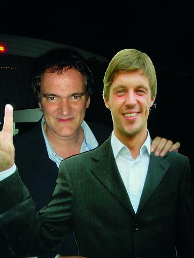 """Asmeninio albumo nuotr./Prie kartoninės Martyno Ivanovo figūros """"Taurus World Stunt Awards"""" įteikimo ceremonijoje įsiamžinti panoro pats Quentinas Tarantino."""