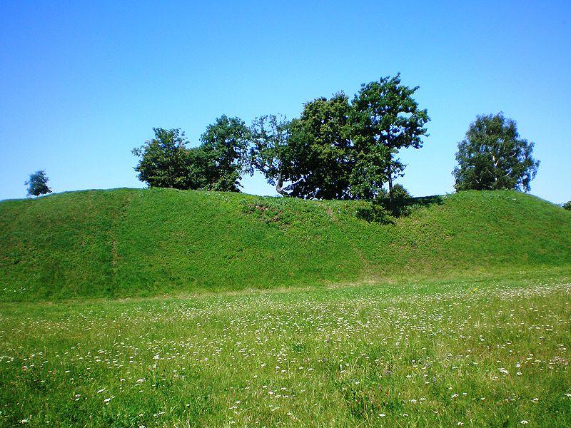 Bakainių piliakalnis