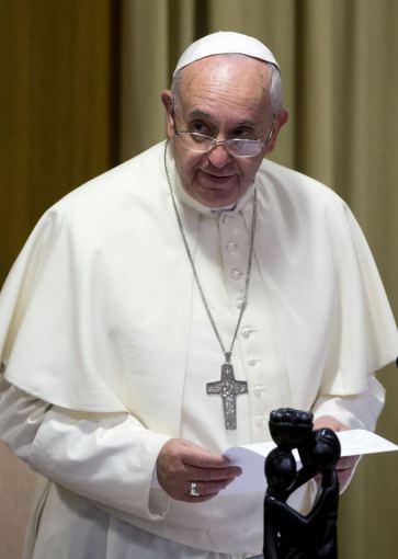 """Reuters""/""Scanpix"" nuotr./Popiežius Pranciškus Vatikano vyskupų sinode"