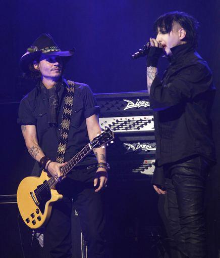 """Scanpix"" nuotr./Johnny Deppas ir Marilyn Mansonas"