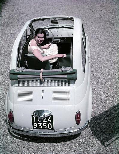 """Wikipedia.org nuotr./1957-ųjų """"Fiat 500"""" kabrioletas"""