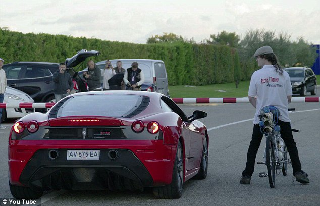 "Dviračio ir ""Ferrari"" lenktynės"