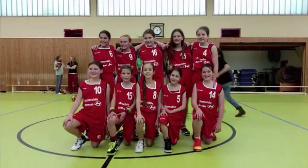 Mergaičių komanda