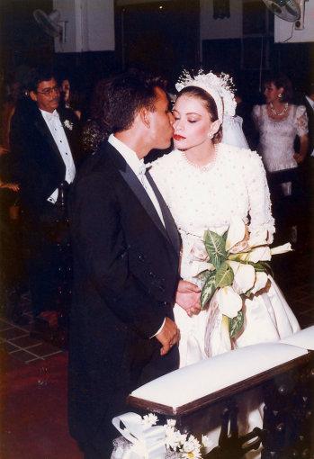 AOP nuotr./Sofia Vergara ir pirmasis jos vyras Jose Luisas Gonzalezas (1991 m.)