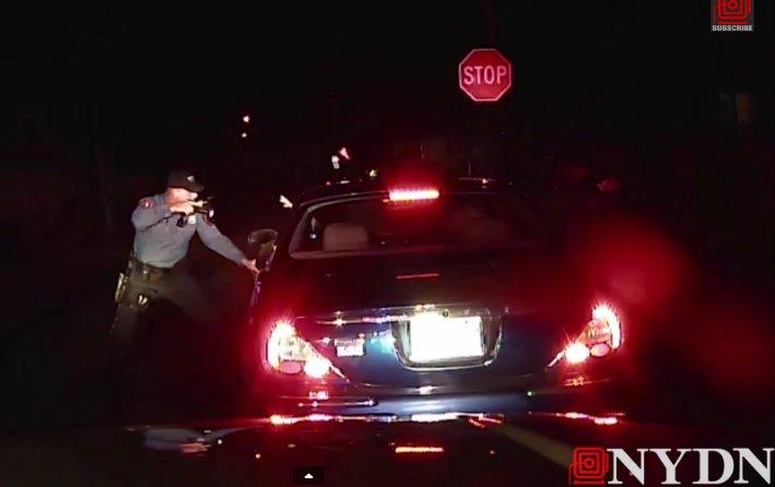 Naujojo Džersio policja nušovė automobilio keleivį