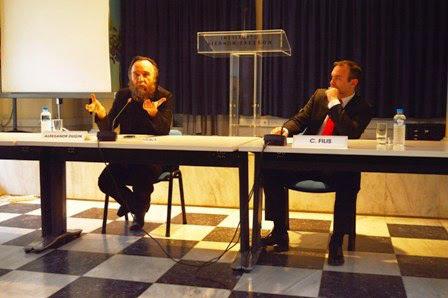 euromaidenpress.com nuotr./Aleksandras Duginas konferencijoje Atėnuose 2013 m.