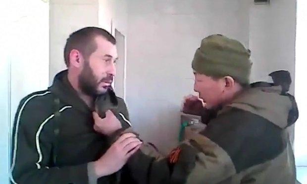 """""""YouTube"""" – vaizdo įrašas, kuriame mušamas dezertyras iš Donbaso."""