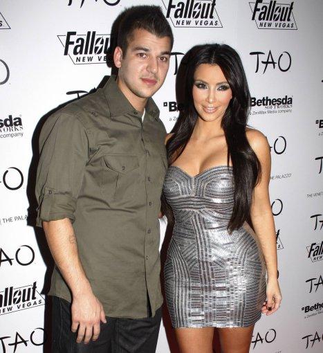 """Scanpix""/""Mavrixonline.com"" nuotr./Kim Kardashian ir jos brolis Robertas Kardashianas"