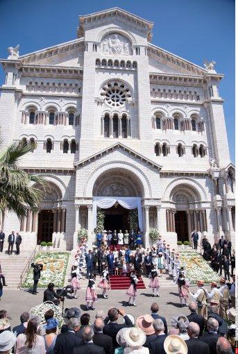 """""""Scanpix"""" nuotr./Karališkosios Monako šeimos dvynių krikštynų akimirka"""