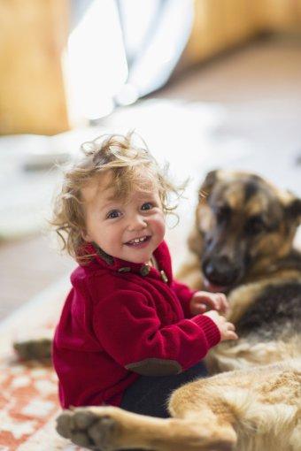 Vida Press nuotr./Mažylis su šunimi