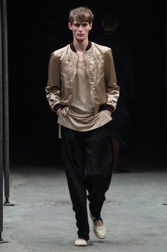"Vida Press nuotr./""Dries Van Noten"" kolekcijos modelis"