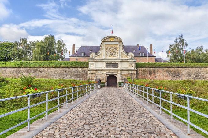 Lilis pilnas istorinių ir architektūrinių objektų