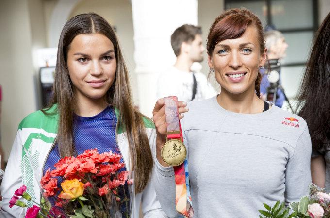 Luko Balandžio / 15min nuotr./Milda Valčiukaitė ir Donata Vištartaitė