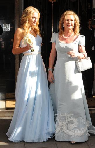 """Scanpix"" nuotr./Paris Hilton su motina Kathy Hilton"