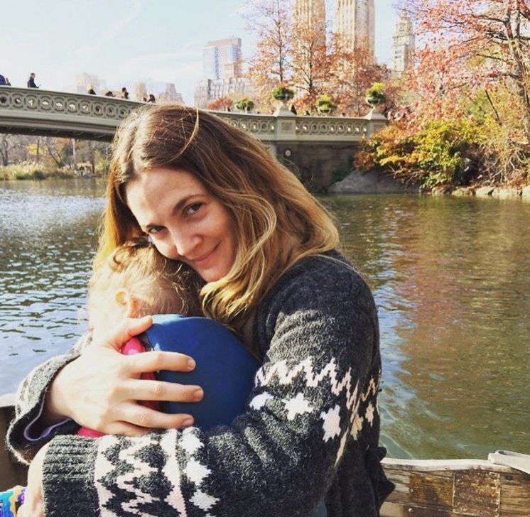 """Instagram"" nuotr./Drew Barrymore su dukra"